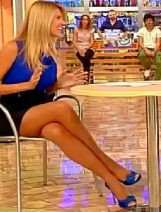 Adriana Volpe – I Fatti Vostri 23.10.2013